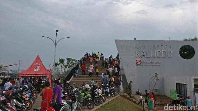 Serunya Olahraga Pagi di RPTRA Kalijodo