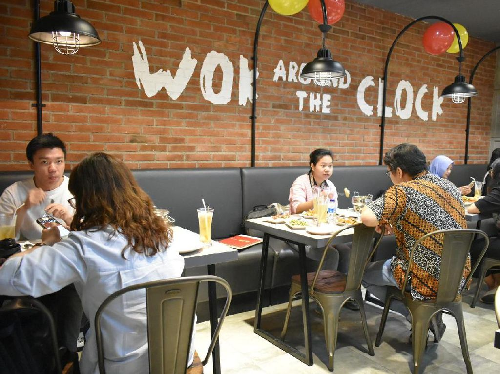 Sams Wok yang merupakan salah satu restoran China ini membuka cabang terbarunya di Kota Kasablanka. Kini hadir dengan gaya family dining dengan menyajikan hidangan China modern yang enak.