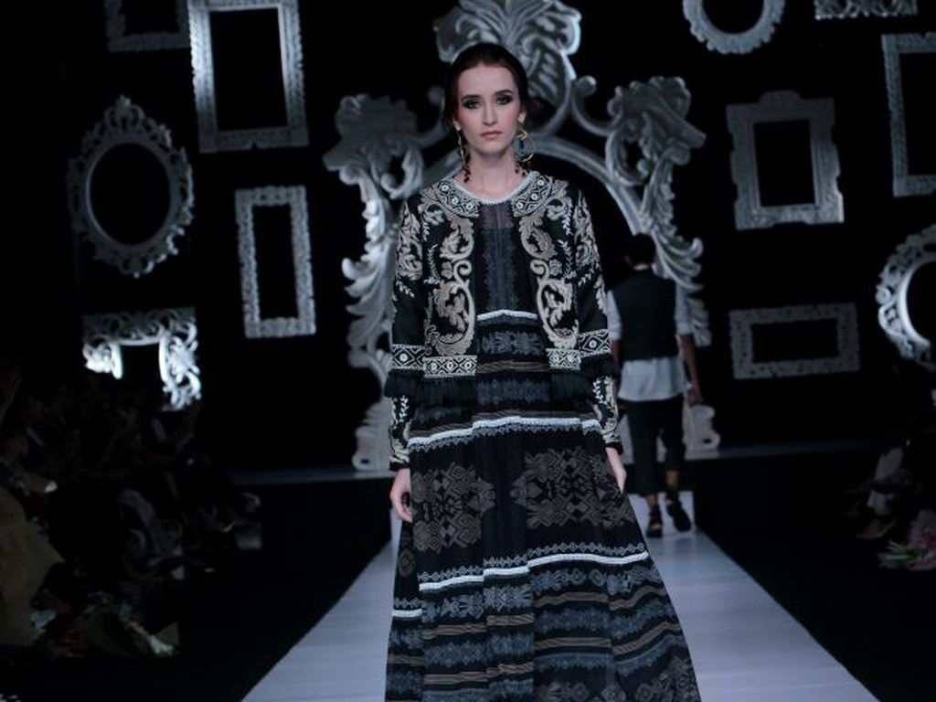 Foto: Koleksi Busana KELANA by Denny Wirawan
