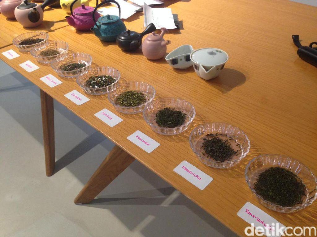 Sebanyak 9 teh Jepang diperkenalkan dan diseduh untuk peserta. Mulai dari teh hasil proses steaming maupun pan fire. Seperti tamaryokucha, kamairicha, dan kabuse-cha