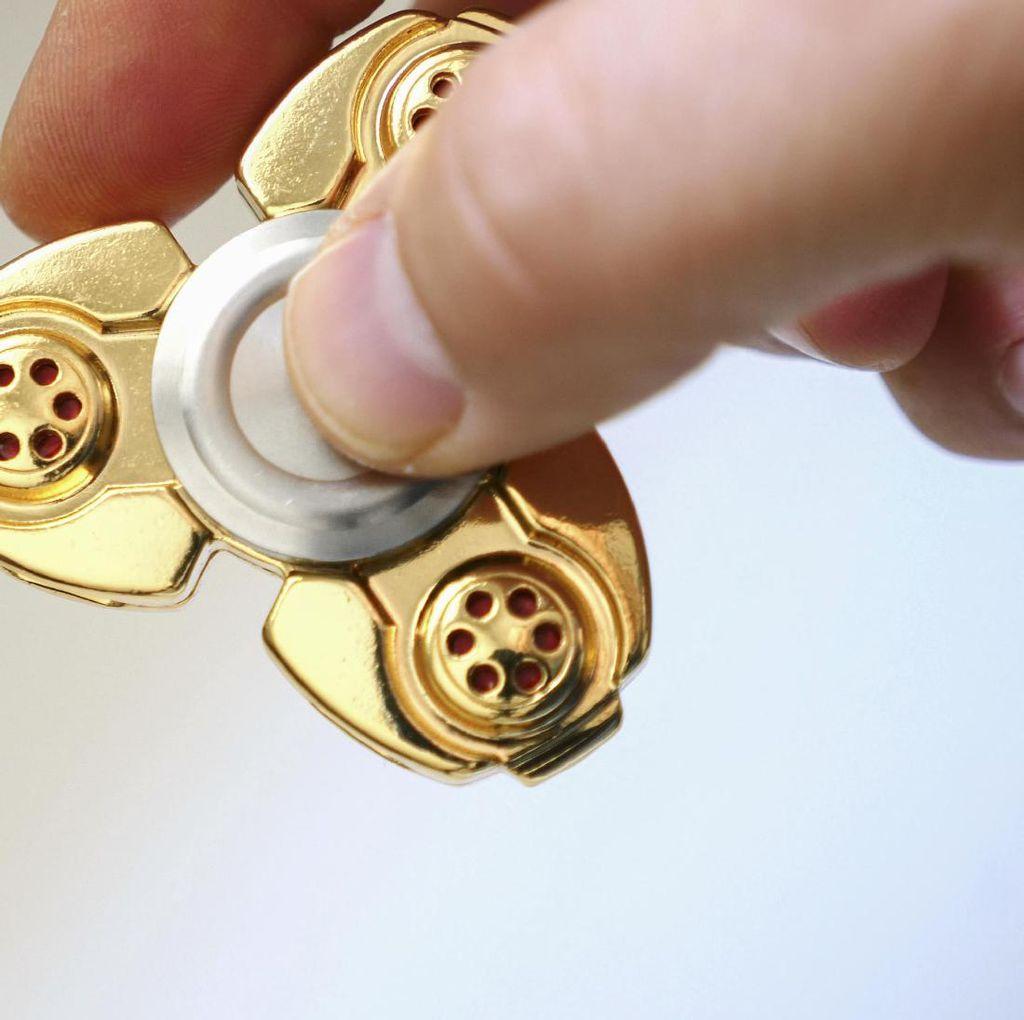 Fidget Spinner Masuk ke Daftar Mainan Berbahaya untuk Anak-anak