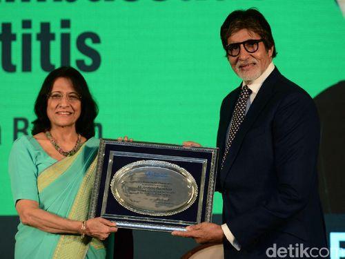 Aktor Bollywood Amitabh Bachchan Ditunjuk Jadi Duta Hepatitis