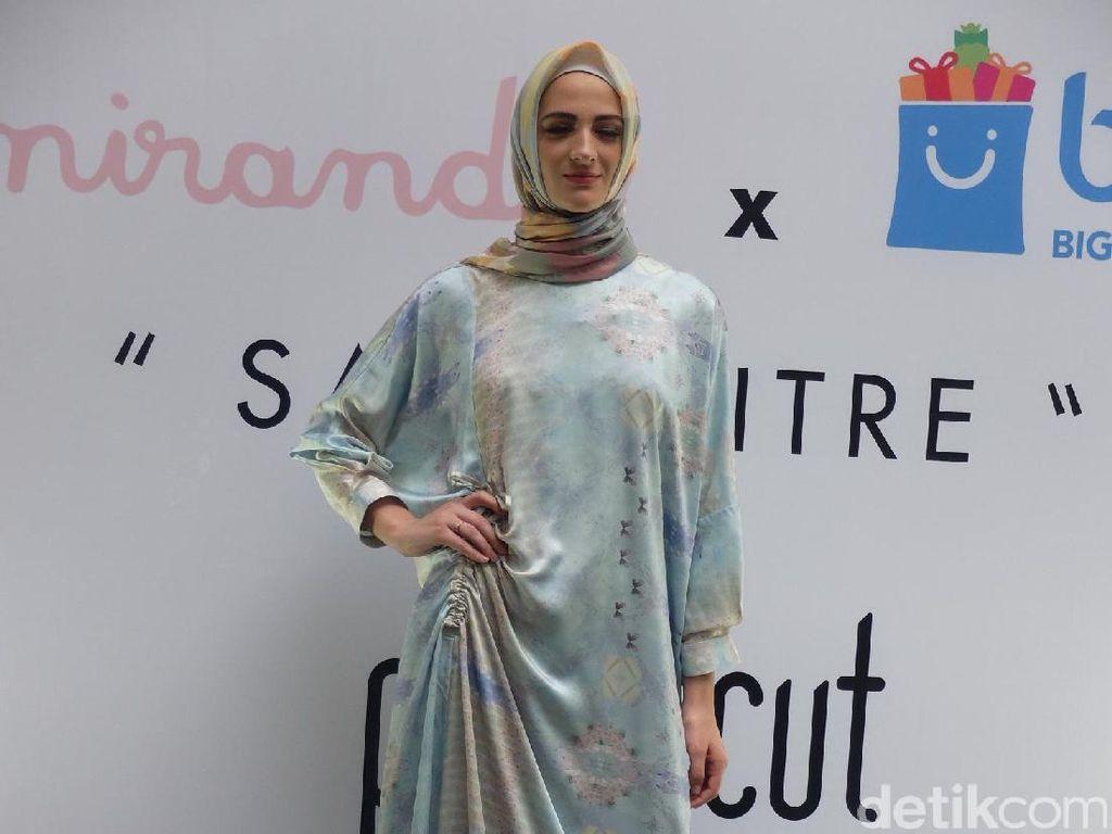 Foto: 10 Model Gamis untuk Lebaran Karya Desainer Indonesia