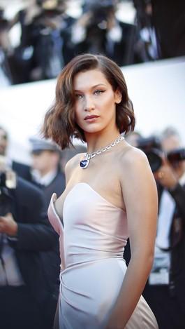 Foto: Invasi Model Seksi di Karpet Merah Festival Film Cannes 2017
