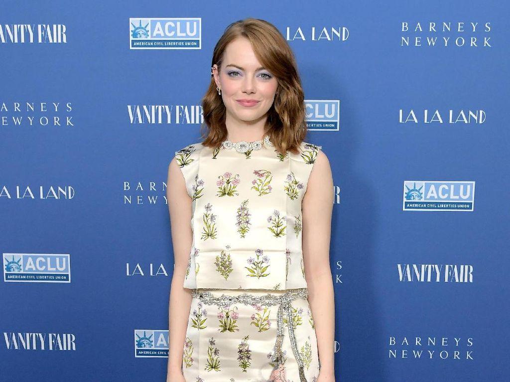 Foto: Inspirasi 15 Gaya Stylish Emma Stone yang Menarik Perhatian