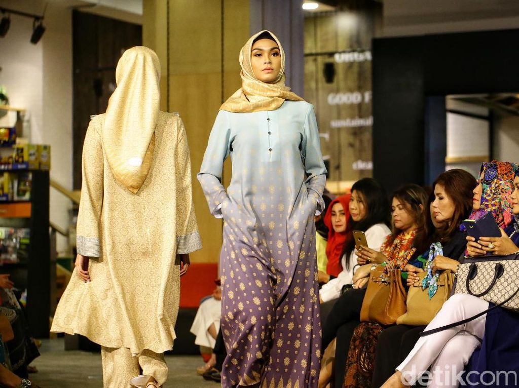 Koleksi Ramadan 2017 Norma Hauri, Gaun Edgy dengan Sentuhan Dramatis