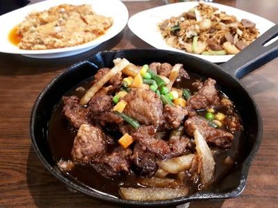 Mandala Baru: Mencicip Bistik Sapi dan Mie Goreng dari Restoran Legendaris