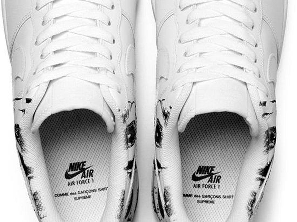 3 Brand Dunia Berkolaborasi Menciptakan 1 Sneakers Keren Ini