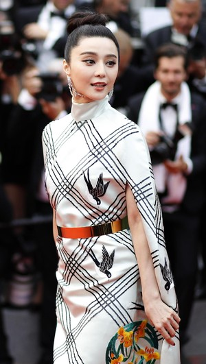 Foto: Eksotisme Bintang Asia di Karpet Merah Festival Film Cannes