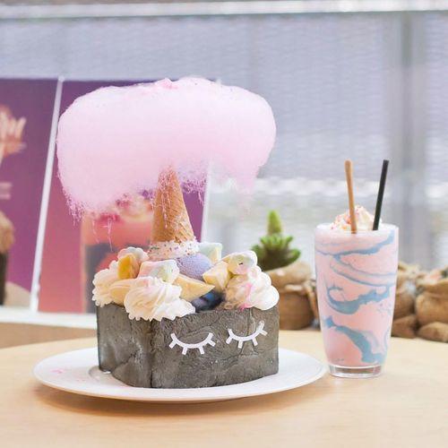 unik-kafe-di-malaysia-ini-buat-honey-toast-berbentuk-unicorn-sungguhan