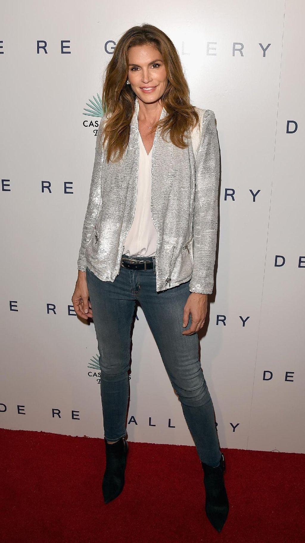 Foto: Penampilan Stylish Cindy Crawford, Si Mantan Supermodel