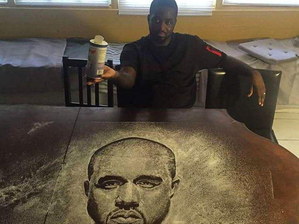 Kalau lukisan Kanye West ini bagus gak? Dibuat dengan taburan garam dapur lho! (Foto: Istimewa)