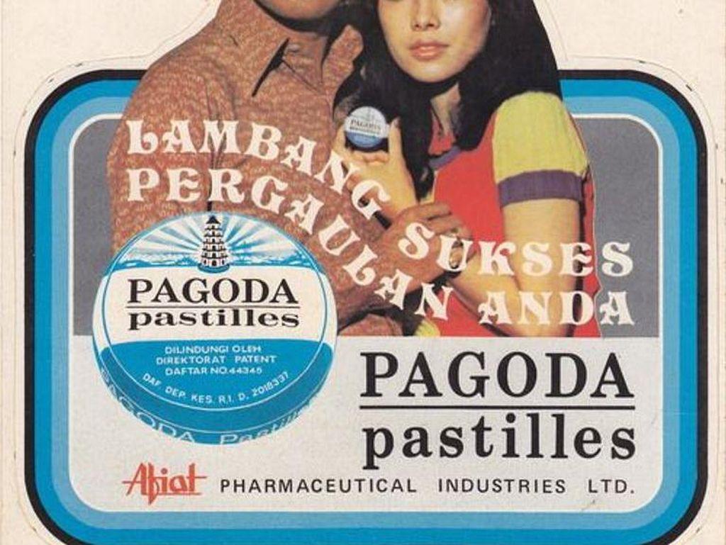 Lambang sukses pergaulan Anda. Ini tulisan yang ada dalam iklan permen ini. Pasangan Sophan Sophian dan Widiawati jadi idola sejak dulu mewakili sukses pergaulan.