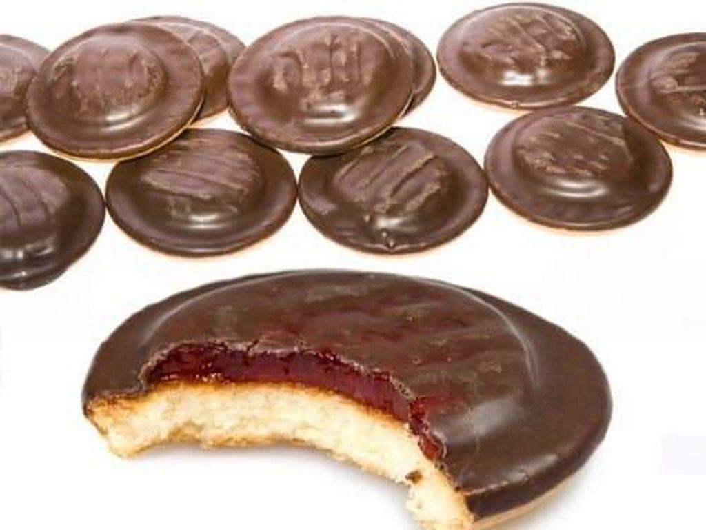 Biskuit ini memadukan jeruk dan rasa cokelat. Pilihan pengisi waktu luang yang enak dari Inggris.