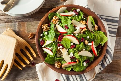 Penggemar Salad, di 5 Kafe Brunch Ini Ada Racikan Salad Enak!