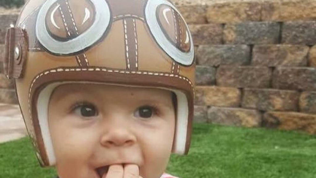 Foto Imutnya Para Bayi Pakai Helm Karena Bentuk Kepala Tak Rata
