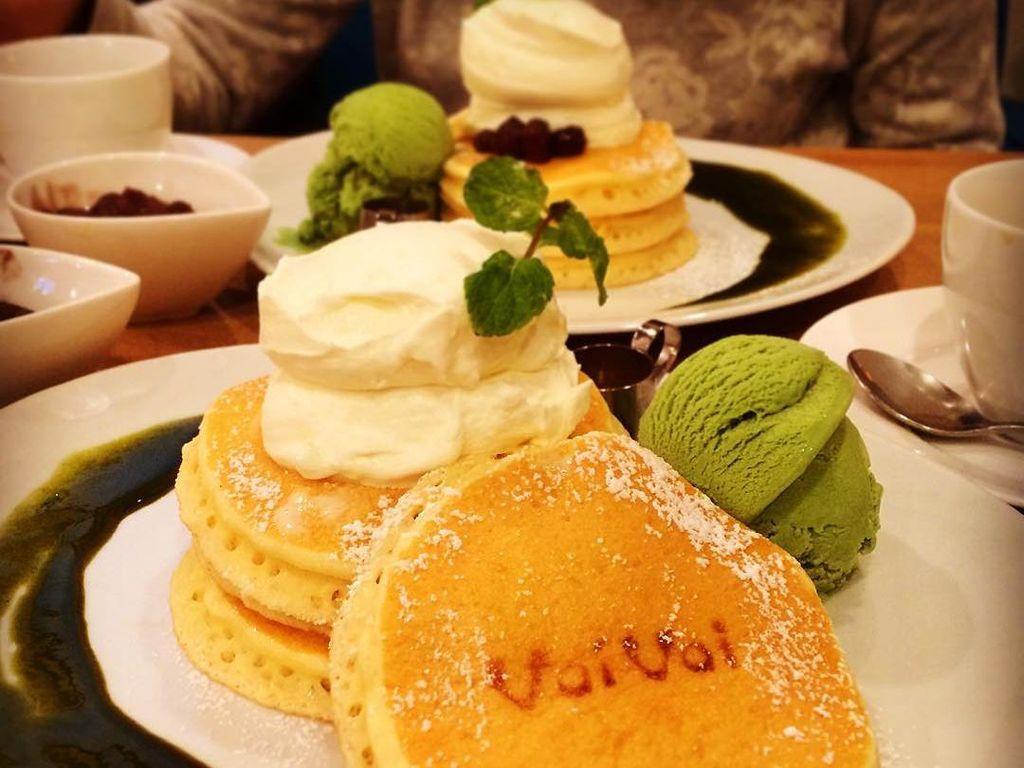 Yang jadi andalan di kafe Panca Mama Cafe VoiVoi adalah Classic Buttermilk yang dibuat dengan buttermilk langka. Pancake yang disajikan 3 buah sekaligus. 1F, 1-35-15 Sangenjaya, Setagaya-ku, TokyoFoto: Istimewa