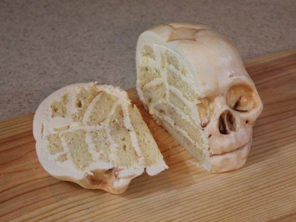Nah, ini penampakan ketika kepala tengkorak sudah dibelah. Susunannya kok mirip seperti otak?Foto: Bussines Insider