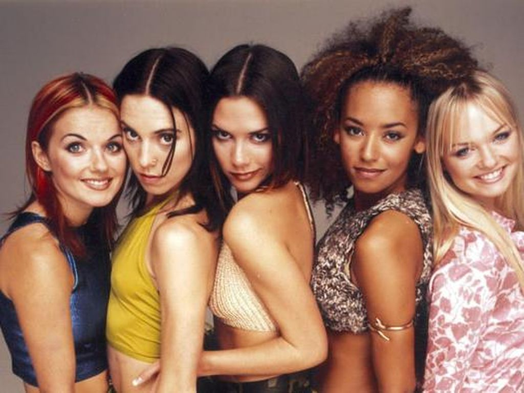 10 Foto Emma Spice Girls yang Tak Menua & Masih Imut di Usia 41
