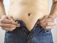 Normalnya pria memiliki rata-rata persentase lemak tubuh 20-24 persen. Ada sedikit lemak di perut namun tidak membuncit. (Foto: Thinkstock)