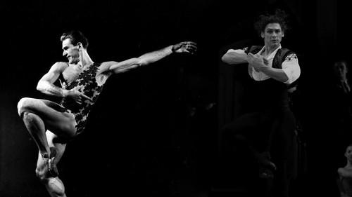 Suka Duka Penari Balet Pria
