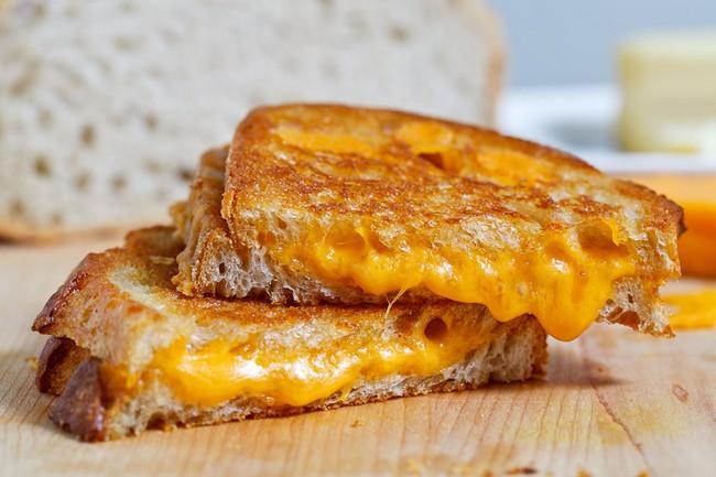 Ini 18 Pilihan Grilled Cheese yang Mulur Gurih Buat Camilan