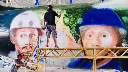 Mural Pesawat 'Warkop DKI Reborn Part 2'