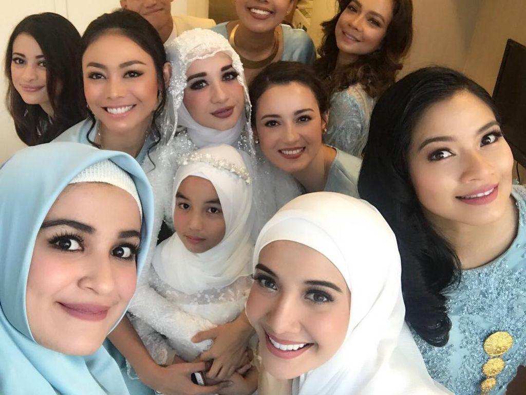 Foto: Cantiknya Para Seleb yang Jadi Bridesmaid di Pernikahan Bella