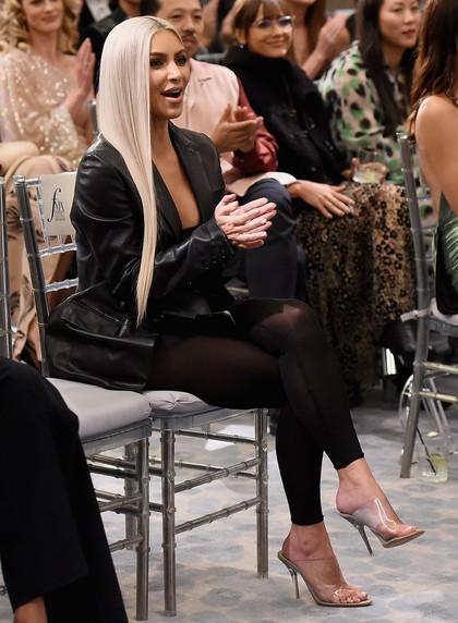 Pakai Legging Transparan, Tampilan Terberani Kim Kardashian Pasca Kerampokan