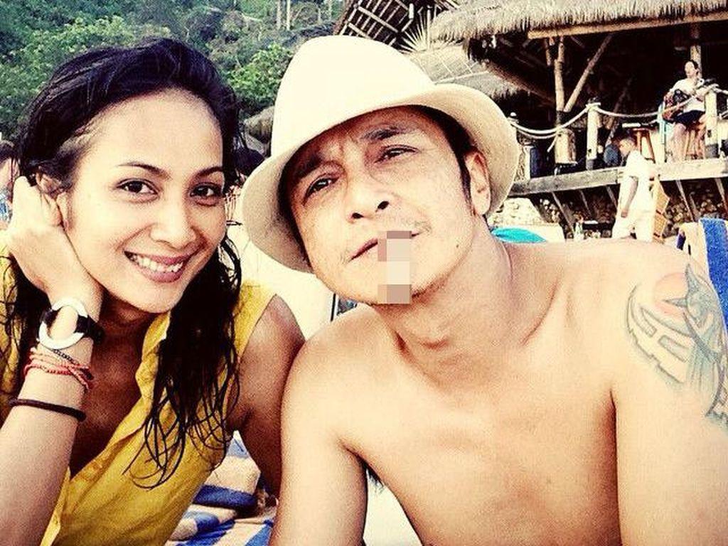 Foto: 8 Istri Cantik Vokalis Band Indonesia