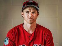 Brock Holt adalah pemain baseball untuk tim Red Sox. Dalam beberapa pertandingan vertigonya sering kambuh sampai akhirnya ia dimasukkan ke dalam daftar atlet dengan disabilitas. (Foto: Instagram/brock_holt)