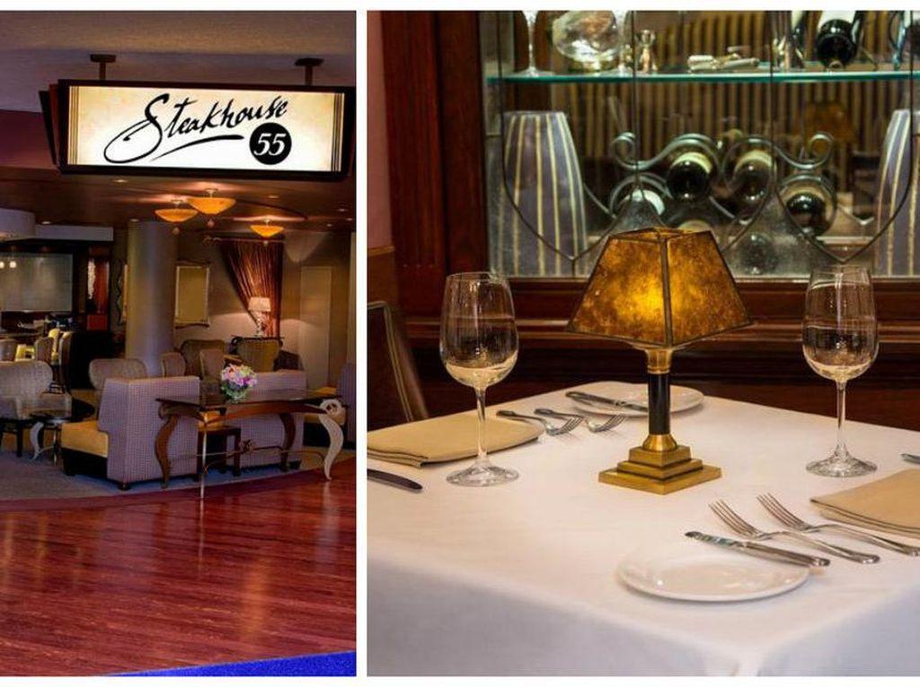 Steakhouse 55 ini adalah salah satu dari sedikit pilihan bersantap kelas atas dari Disneyland. Restoran bergaya vintage dengan beberapa jenis steak enak wajib Anda datangi. Foto: Istimewa