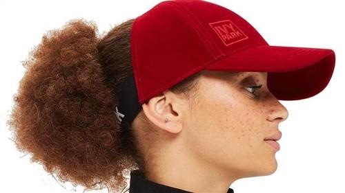Beyonce Rilis Topi Unik untuk Si Rambut Keriting, Langsung Terjual Habis