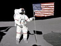 Astronot Amerika pertama yang menjelajah luar angkasa, Alan Shepard, dikabarkan memiliki vertigo. Karena kondisinya itu sejak tahun 1964 Alan tak diizinkan lagi untuk untuk naik roket. (Foto: BBC)