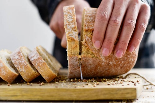Oh, Ternyata Begini Cara Memotong Roti Tawar yang Benar!