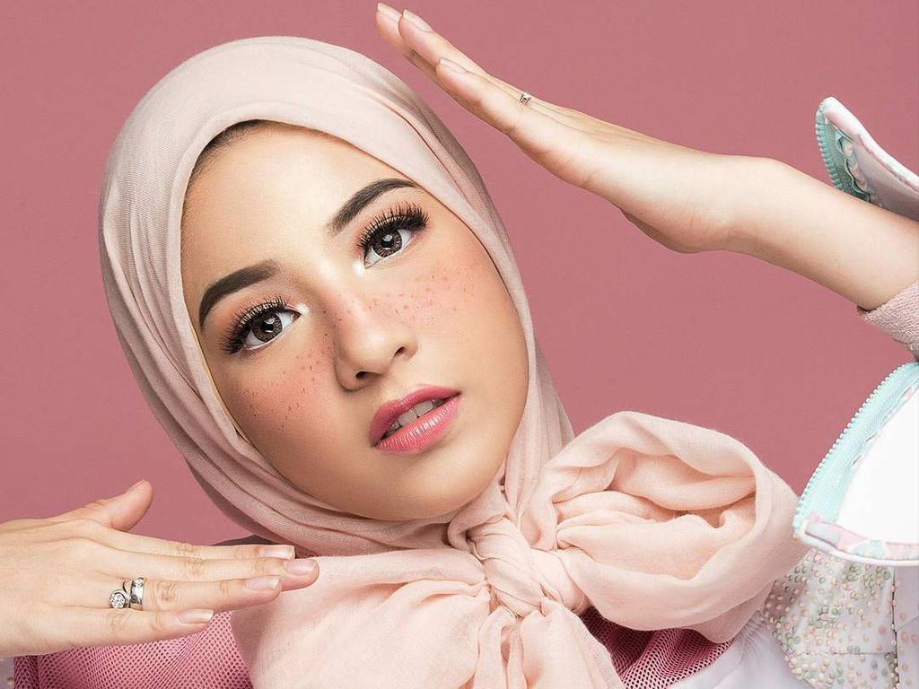 Foto: Ketika Natasha Rizki Hingga Adik Zaskia Adya Mecca Jadi Barbie