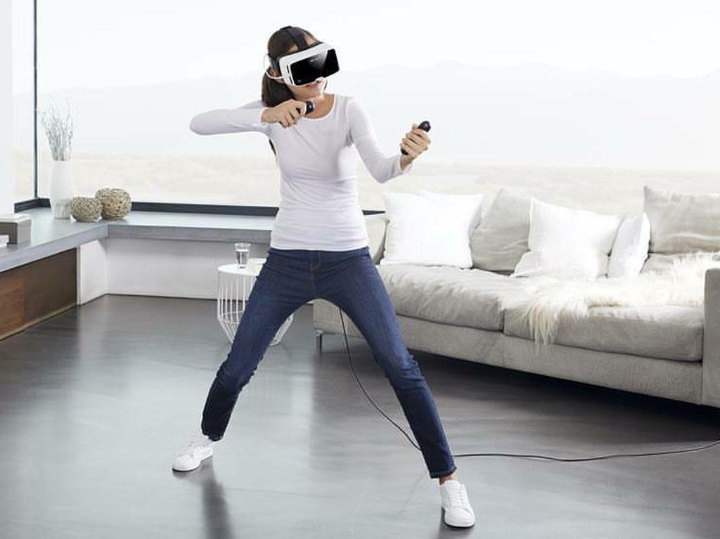 Foto: Bila Cuaca Terlalu Panas, Olahraga di Ruang Virtual Saja