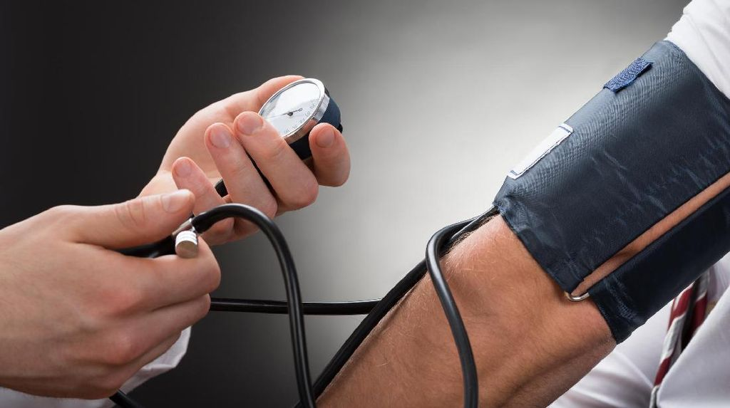 Tips Alami Turunkan Tekanan Darah Tinggi Tanpa Obat