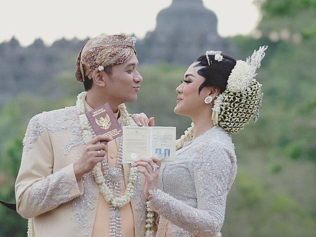 Ini Syaratnya Jika Ingin Menikah di Candi Borobudur Seperti Vicky Shu